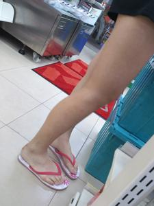 Asian-candid-legs-and-feet-%5Bx25%5D-r7aiprtwkh.jpg